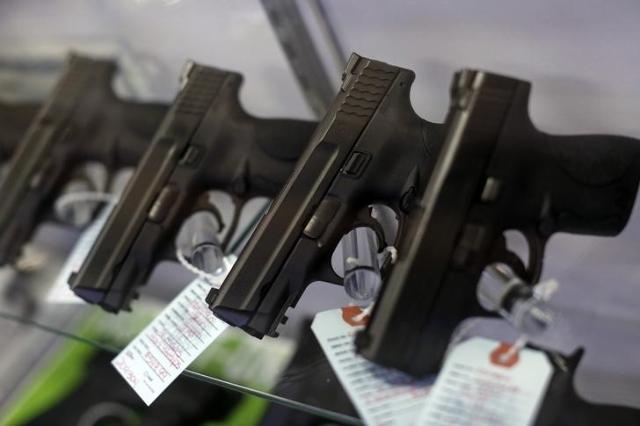 Guns for sale. (Jim Young/Reuters)