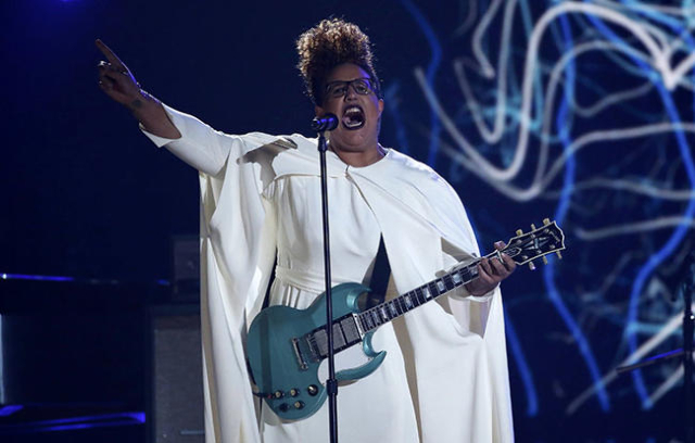 """Brittany Howard and Alabama Shakes perform """"I Don't Wanna Fight No More"""" at the 58th Grammy Awards in Los Angeles, California February 15, 2016.  REUTERS/Mario Anzuoni"""