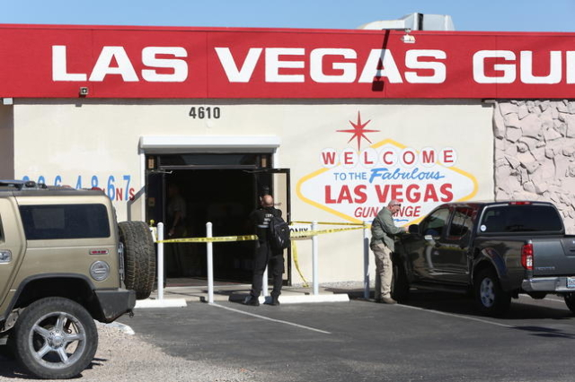Las Vegas police investigate a shooting at the Las Vegas Gun Range on Blue Diamond Road on February 9, 2016. (Bizuayehu Tesfaye/Las Vegas Review-Journal)