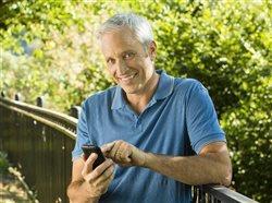 Smart cellphone security tips for seniors