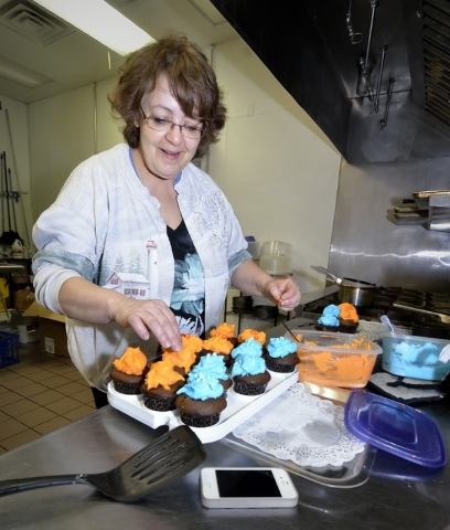 Kathy Bastian works in the kitchen of Gotta Love Cheesecake Feb. 6. Bill Hughes/Las Vegas Review-Journal