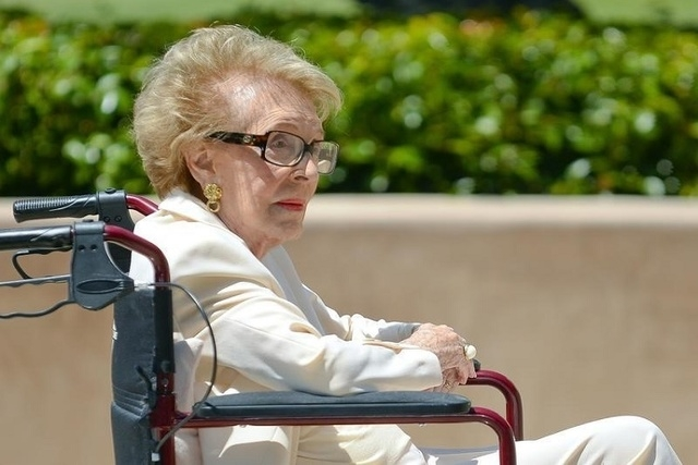 Former first lady of the United States Nancy Reagan visits the grave site of her husband, former United States President Ronald Wilson Reagan, at the Ronald Reagan Presidential Library on the 10th ...