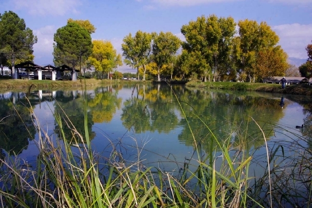 A lake at Floyd Lamb Park at Tule Springs is shown in this file photo (Las Vegas Review-Journal)