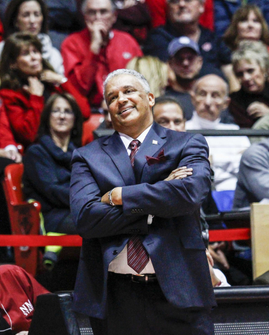 New Mexico State coach Marvin Menzies reacts to a call during the second half of an NCAA college basketball game against New Mexico on Wednesday, Dec. 16, 2015, in Albuquerque, N.M. (AP Photo/Juan ...