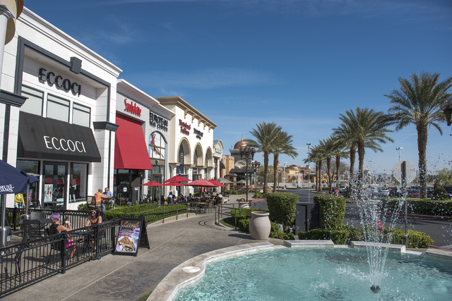 Patrons enjoy al fresco dining during the warm weather at Sambalatte at Boca Park in Las Vegas on Friday, March 4, 2016. Fridayճ forecast is mostly sunny with a high of 79 and a low of 57 de ...