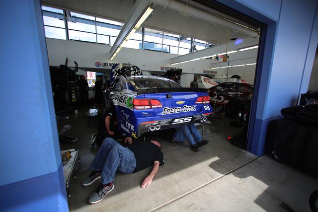 Crew members for Cole Whitt (98) work on his Chevrolet during Sprint Cup testing on Thursday, Mar. 3, 2016 at Las Vegas Motor Speedway. Brett Le Blanc/Las Vegas Review-Journal Follow @bleblancphoto