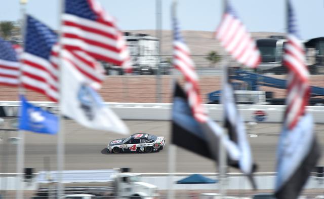 Kobalt 400 driver Kevin Harvick (4) enters turn three during Sprint Cup testing on Thursday, Mar. 3, 2016 at Las Vegas Motor Speedway. Brett Le Blanc/Las Vegas Review-Journal Follow @bleblancphoto