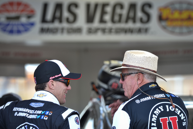 Kevin Harvick (4), left, speaks with a team member during Sprint Cup testing on Thursday, Mar. 3, 2016 at Las Vegas Motor Speedway. Brett Le Blanc/Las Vegas Review-Journal Follow @bleblancphoto