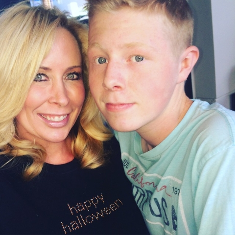 Jennifer Vaughan and her son, Ryan, 15, share a moment in this undated photo. The Las Vegas teen was diagnosed with type I diabetes at age 9. He is now handling his disease well, thanks to an insu ...