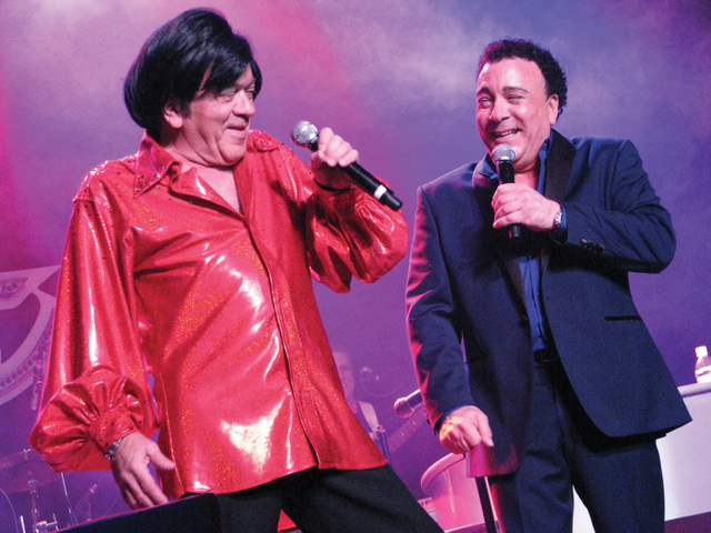 Joey and Frankie Scinta perform at the Plaza Feb. 16. F. Andrew Taylor/View