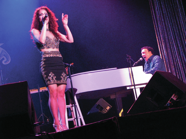 Janien Valentine and Frankie Scinta perform at the Plaza Feb. 16. F. Andrew Taylor/View