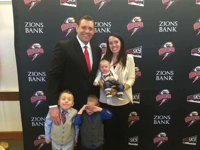 Former UNLV interim basketball coach Todd Simon poses with his wife, Kati, and their three children Thursday after he was named the head coach at Southern Utah.