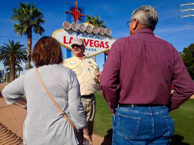 """Pink Jeep tour guide Richard Evans explains the history of the """"Welcome to Fabulous Las Vegas"""" to Gary and Peggy Hafernick during a tour of the Strip on Wednesday, March 8, 2016. Kimberly De La Cr ..."""