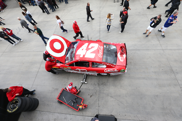 Crews get Kyle Larson's car ready for the NASCAR Sprint Cup Series Kobalt 400 race at the Las Vegas Motor Speedway in Las Vegas on Sunday, March 6, 2016. Chase Stevens/Las Vegas Review-Journal Fol ...