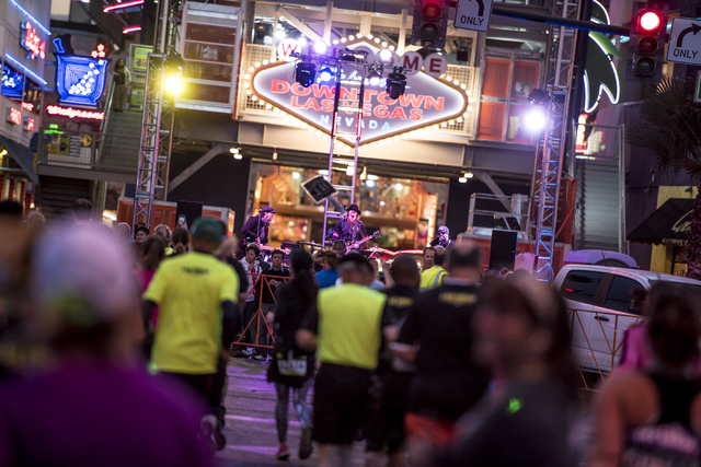 A band performs in downtown Las Vegas during the Rock-n-Roll Marathon on Sunday, Nov. 15, 2015. Joshua Dahl/Las Vegas Review-Journal