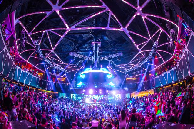 A crowd at Hakkasan Nightclub inside MGM Hotel and Casino. © Al Powers, PowersImagery.com (Courtesy/Hakkasan Group)