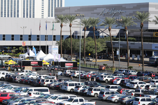 Convention-goers park their cars at the Las Vegas Convention Center on Thursday, Oct. 22, 2015 in Las Vegas. Brett LeBlanc/Las Vegas Review-Journal Follow @bleblancphoto