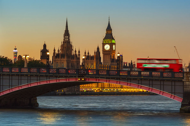 London, Big Ben and Houses of Parliament at dusk (Thinkstock)
