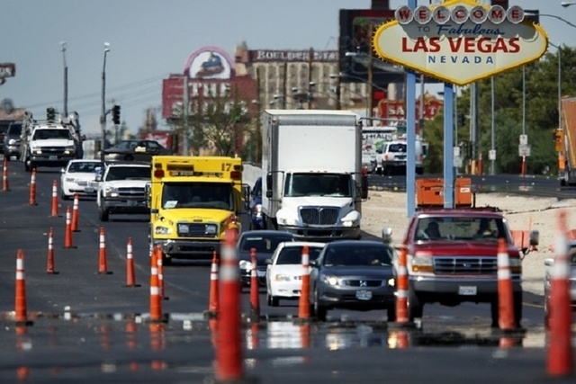 Motorists maneuver through traffic cones in a construction zone on Boulder Highway near the divide between the cities of Las Vegas and Henderson. (John Locher/Las Vehas Review-Journal)