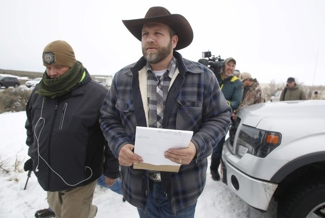 Ammon Bundy arrives to address the media at the Malheur National Wildlife Refuge near Burns, Oregon, January 5, 2016. (Jim Urquhart/Reuters)