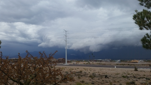 Line of storms moving through northwest over 215 near Lone Mountain on Saturday, April 9, 2016. (Lisa Valentine/Las Vegas Review-Journal)