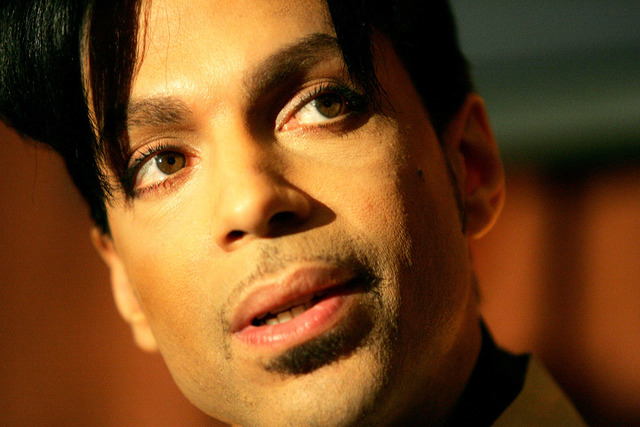 Recording artist Prince speaks during a news conference about his recording agreement between himself and Universal Records on Tuesday, Dec. 13, 2005, in Beverly Hills, Calif.  (AP Photo/Danny Mol ...