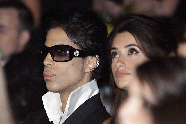 Singer Prince and actress Penelope Cruz sit in the audience, Thursday, Feb. 8, 2007, in Beverly Hills as the City of Beverly Hills and the Rodeo Drive Committee honored Gianni Versace and his sist ...