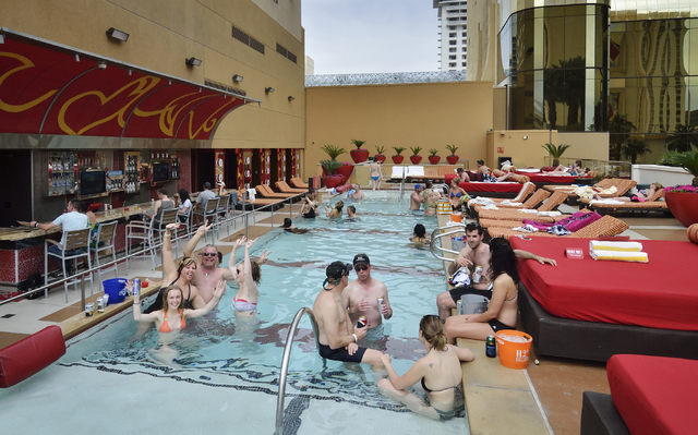 Golden nugget hotel and casino las vegas pool popular poker games