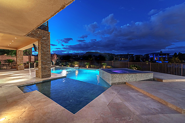 The pool and spa. (Courtesy Simply Vegas)