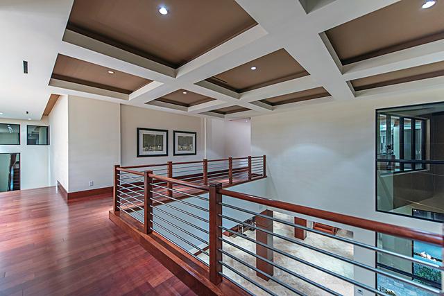 Upstairs. (Courtesy Simply Vegas)