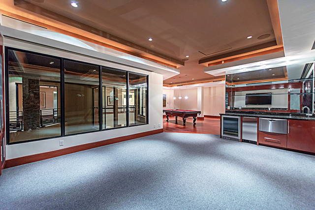 A large game room has a kitchen. (Courtesy Simply Vegas)