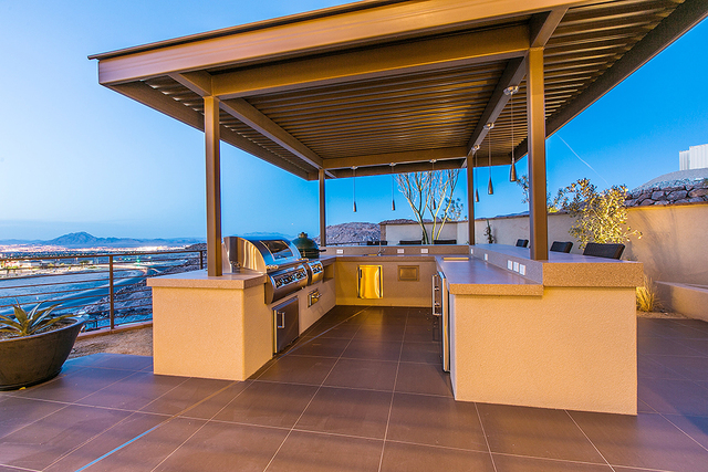 An outdoor kitchen with a view of the Las Vegas Valley. (COURTESY OF SHAPIRO & SHER GROUP)