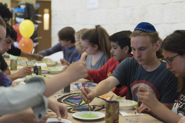 Children work on a collaborative art project at Yiddish Las Vegas: A Music & Culture Festival at Temple Sinai in Las Vegas Sunday, April 10, 2016. Jason Ogulnik/Las Vegas Review-Journal