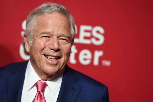 New England Patriots owner Robert Kraft says he would support Mark Davis if he wanted to move the Raiders from Oakland to Las Vegas (Photo by Jordan Strauss/Invision/AP)