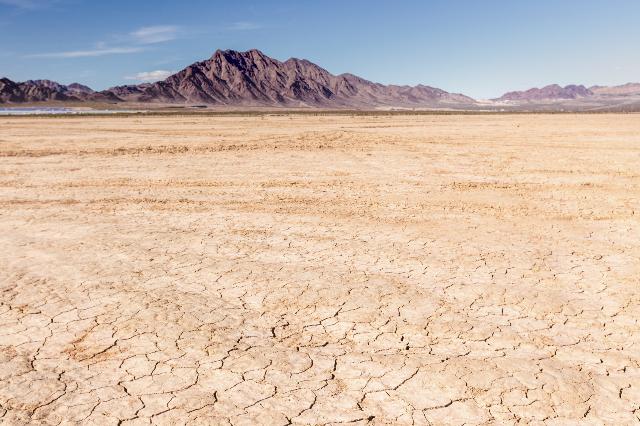 Dry lake bed in desert (Las Vegas Review-Journal)