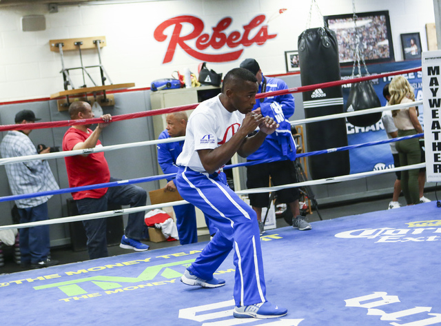 Erislandy Lara works out ahead of his WBA World super welterweight title fight against Vanes Martirosyan, slated for Saturday at the Cosmopolitan hotel-casino, at UNLV's boxing gym in Las Vegas on ...
