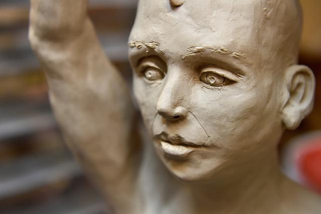 "Coni Kalinowski's ""Korangaikuta"" figure is displayed at Clay Arts Vegas' Main Street studio. David Becker/Las Vegas Review-Journal Follow @davidjaybecker"