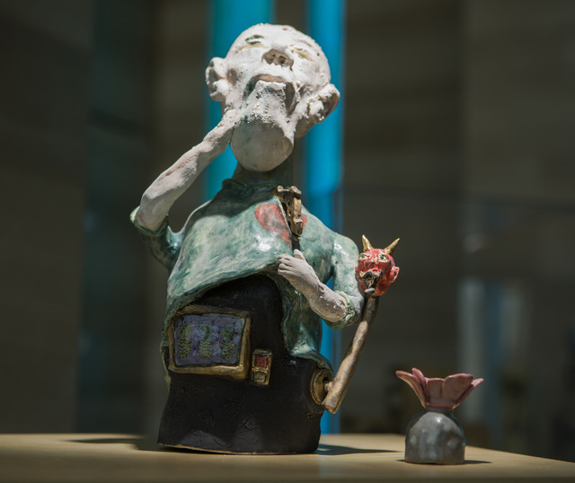 """Man and (slot) machine merge in Thomas Bumblauskas' Vegas-centric ceramic piece """"Bad Influence,"""" part of the """"Vegas to a Local"""" exhibit in the Grand Gallery at Las Vegas City Hall. Jeff Scheid/Las ..."""