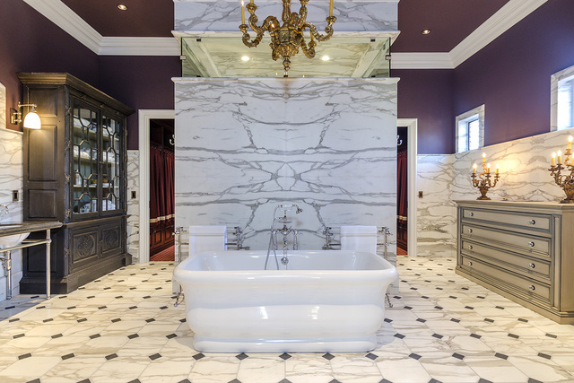 The Eagles Landing home features an over-the-top master bath. (Luxe Estates & Lifestyles)