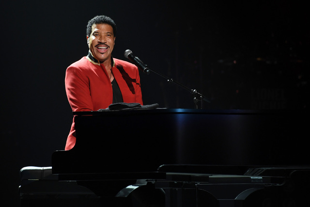 Lionel Richie beamed with radiance during the opening night of his Planet Hollywood showcase. (Denise Truscello)