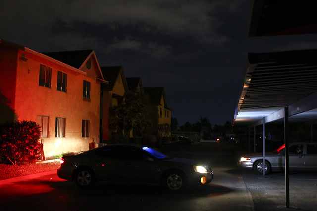 Las Vegas police investigate after reports of an explosive device going off at an apartment complex at 5801 W. Lake Mead Blvd. in Las Vegas on Tuesday, May 17, 2016. (Chase Stevens/Las Vegas Revie ...