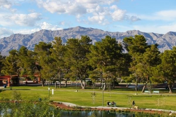 People walk around Craig Ranch Regional Park in North Las Vegas on Tuesday, Oct. 6, 2015. (Chase Stevens/Las Vegas Review-Journal Follow @csstevensphoto)