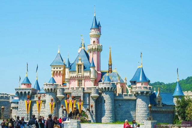 13 dirty tricks to save money at Disneyland | Las Vegas