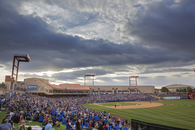 Mets and Cubs fans filled Cashman Field for the first of a two-game spring training rematch of the 2015 National League Championship series, Thursday, March 31, 2016, in Las Vegas. Benjamin Hager/ ...