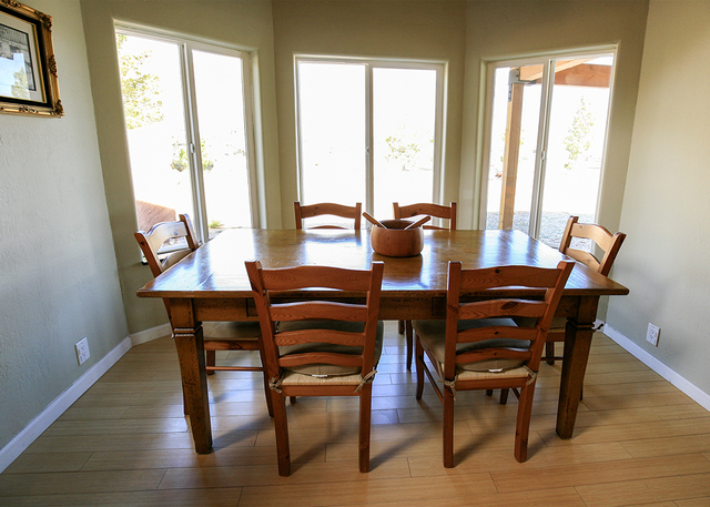 The dining room in the Bonnie Springs home. (ELKE COTE/MILLIONS)