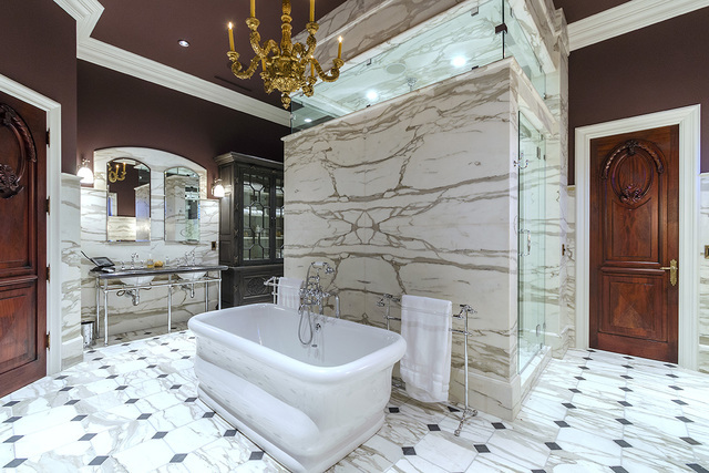 The master bath in the Eagles Landing Lane home in Southern Highlands (Luxe Estates & Lifestyles)