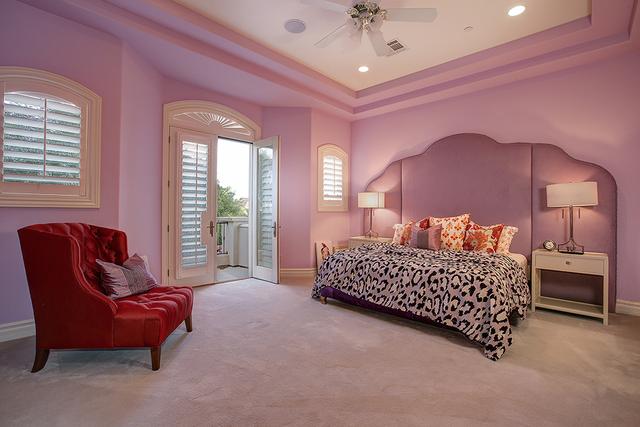 Two houses; one price: $4.2 million — PHOTOS – Las Vegas Review-Journal