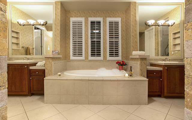 The master bath in the home Brigadoon Drive in Southern Highlands. (Synergy, Sotheby's International Realty)