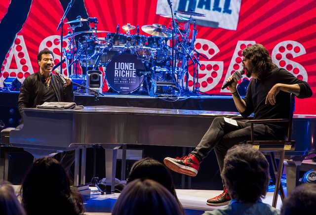 SiriusXM Town Hall with Lionel Richie, moderated by Dave Grohl (Erik Kabik)