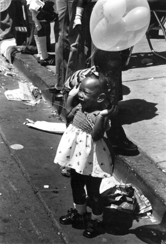A young girl, identified as 19-month-old DeKisha Staten, watches the Helldorado Days parade in 1977. (Tom Jones IV/Las Vegas Review-Journal)